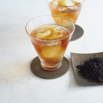 完全無農薬で栽培された「天の製茶園」の和紅茶