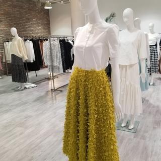 色鮮やかなスカートが素敵!!SHE Tokyo2020SS展示会♡