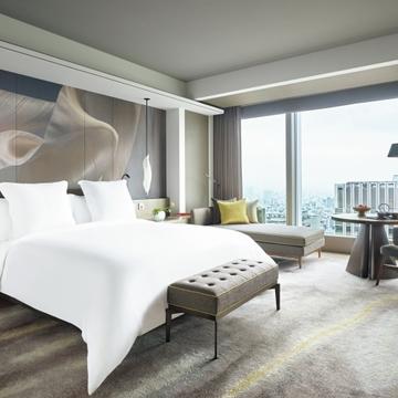 コンテンポラリーと和が美しく融合したラグジュアリーホテル『フォーシーズンズホテル東京大手町』