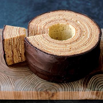 しっとりした食感 洋菓子工房 樫の木「バウムクーヘン」