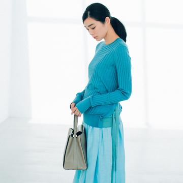 ブルーのスカートは、涼やかな美人感で360度好感度! 五選