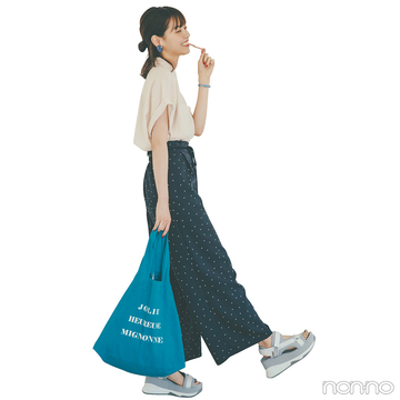 西野七瀬は上下とろみ素材でフレンチシックなリラックススタイル【毎日コーデ】