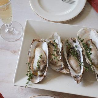 晴れやかな食卓に合う牡蠣のシャンパーニュ蒸し【平野由希子のおつまみレシピ #37】