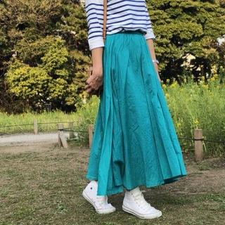 春のきれい色スカート