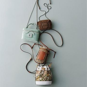 アラフィー女性に似合う「小粋なデザイン」のポシェットでこでかけを楽しく!