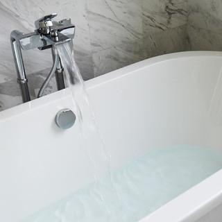 アラフォーのお風呂事情。パートナーと一緒に入るのアリですか?