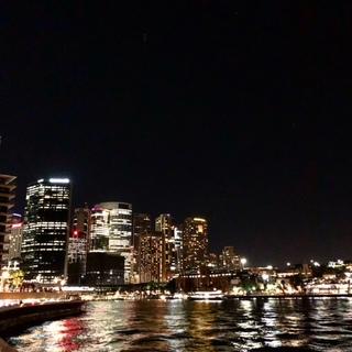 シドニー。火曜日。20時半。_1_1-2