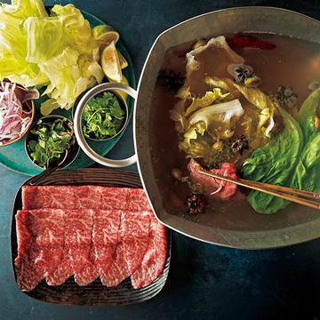 自宅で本格的な異国の味を堪能「ベトナム風しゃぶしゃぶ」&「チョッピ―ノ」【海外気分を味わえる鍋】