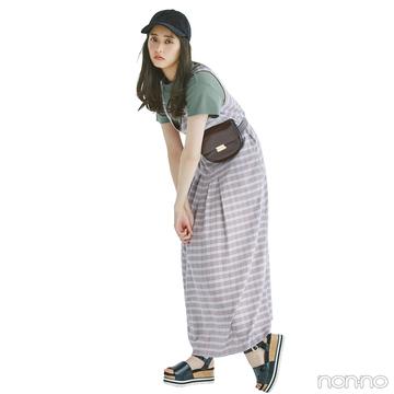 新木優子はくすみ色コンビでレイヤードコーデを大人に昇華!【毎日コーデ】
