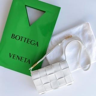 秋冬もかわいい❗️BOTTEGA VENETAのカセット