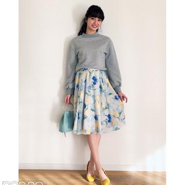 新川優愛の花柄スカートスタイルが可愛すぎる!【毎日コーデ】