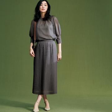 【夏のこなれセットアップ】透け感のあるデザインで上品な女らしさを演出
