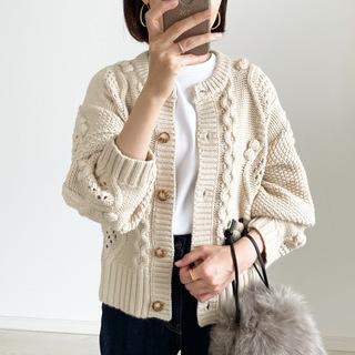 ざっくりとした編み地が可愛いニットカーディガン【 tomomiyuコーデ】