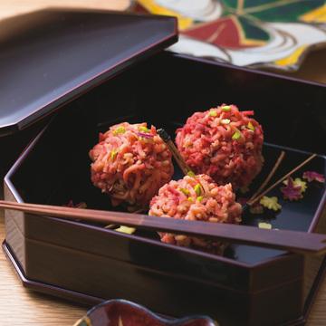 つくりたての和菓子4種とお茶のおまかせを名店のカウンターで 樫舎(かしや)