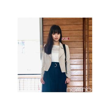 新川優愛が着こなす人気の淡色ライダース【毎日コーデ】