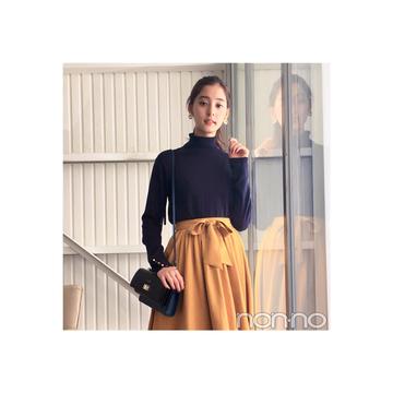 新木優子はマスタード色スカートで大人フェミニンに【毎日コーデ】