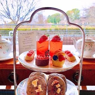 ホテル椿山荘のベリーアフタヌーンティーで気分から春♡