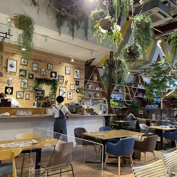 「the FarmUNIVERSAL」店内カフェ