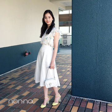 新木優子のイエロー×白コーデが夏っぽ可愛い!【毎日コーデ】