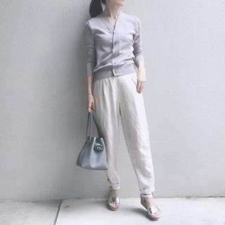 今選びたいのは、夏まで穿ける心地よい「リラックスパンツ」