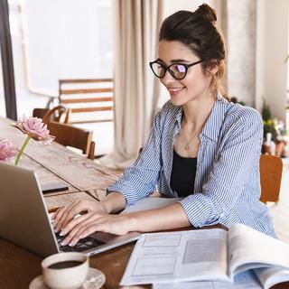 働くアラフォー女性が在宅ワークになって感じたことは?【480人にアンケート調査!】
