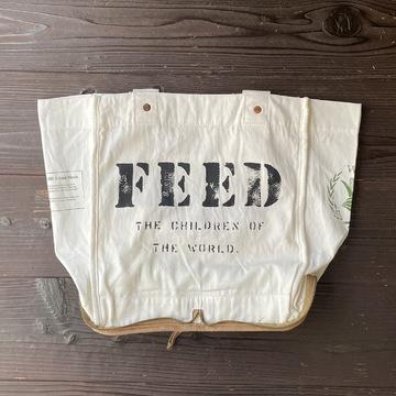白地に「FEED」の文字が入ったエコバッグ