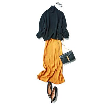 ゆったりニット+落ち感のある薄手マキシスカートで装いにメリハリを【秋の品格ワンツーコーデ】