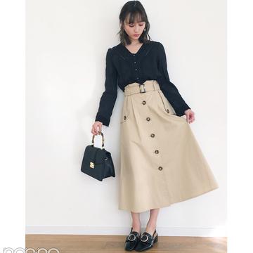 鈴木友菜の大人可愛い透け感ブラウススタイル【毎日コーデ】