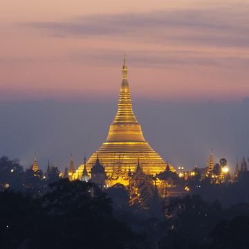 <ミャンマーの旅>シュエダゴン パゴダの夜景が素晴らしい、チャトリウムホテル(ヤンゴン②)