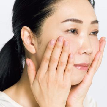 敏感肌におすすめの「ハイブリッドオイル」使いこなしテクニック【50代に適材適所な美容オイル】