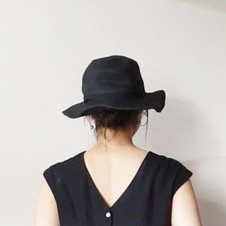 5分以内で完成♪どんな帽子にも合う、簡単ヘアアレンジ