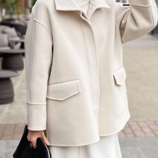 今年の本命コート『冬の白』