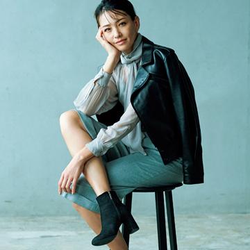 毎日履きたい「太めヒールの黒ショートブーツ」3選【アラフィーの黒ショートブーツ&黒スニーカー】