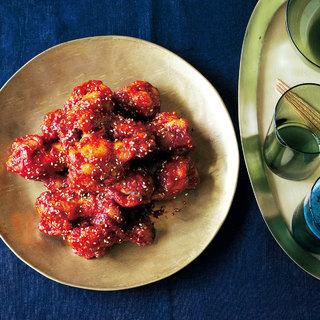 甘辛ダレをからめた韓国の定番ファストフード「ヤンニョムチキン」を作ろう【魅惑のフライドチキン】