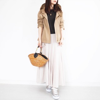 春の羽織りマウンテンパーカー着こなし術【tomomiyuの毎日コーデ】