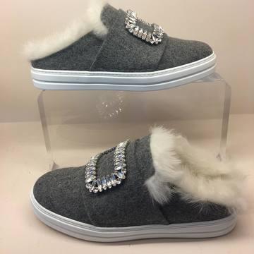 秋冬も引き続き人気!展示会で見つけたスリッパ靴が素敵