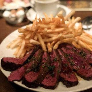 がっつり肉好きには堪らないBISTRO