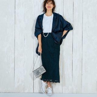白い靴の投入効果は絶大!白いパンプスや白いスニーカーを使った2020春コーデまとめ|40代 ファッション