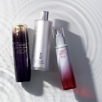 2.シミ・くすみを払拭し澄みきった肌へ! 「水鏡」化粧水