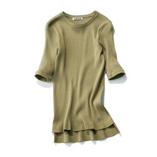 アラフォーをきれいに見せる!「スカートに合うTシャツ」4タイプ