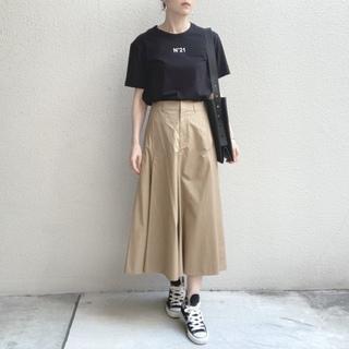 【ユニクロ U】秋も使える、美シルエットなフレアスカート