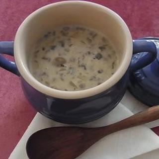 きのこの力でお通じ改善。豆乳マッシュルーム濃厚スープ