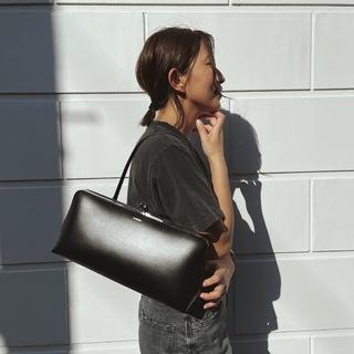 【ご褒美アイテム】デニムにも合うJIL SANDARのバッグ