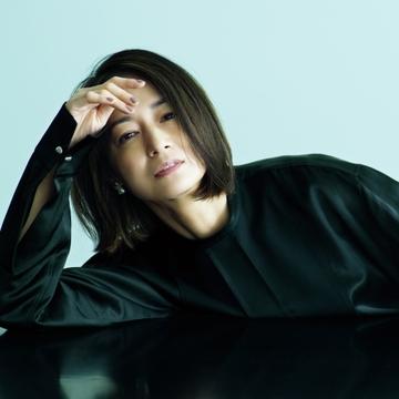 個性をきわだたせてくれるジル サンダーの黒シャツ【富岡佳子の「名品が私に教えてくれること。」vol.9】