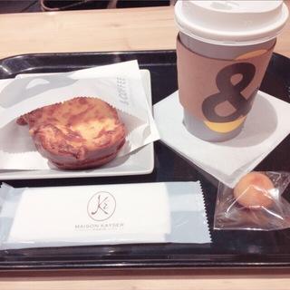 大人カフェで勉強の日々。