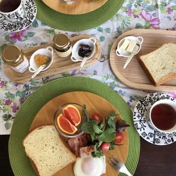 美味しい食パンで朝ごはん♪
