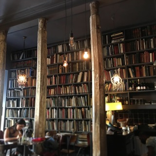 MerciのUsed Book Café