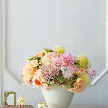 2.お出迎えの花 新春は日だまり色の明るい暖色でおめでたく