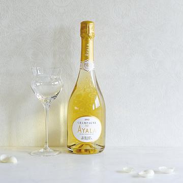 凛と咲く可憐な花のような落ち着き ―「AYALA」のシャンパーニュ【飲むんだったら、イケてるワイン】