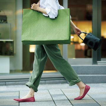 「ジャンヴィト ロッシ」の絶妙ピンクシューズでおしゃれ印象アップ【格上げフラット靴】
